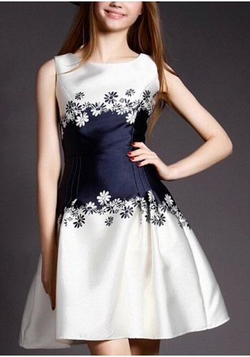 Fashionable Elegant Party & Day Dress- Off White